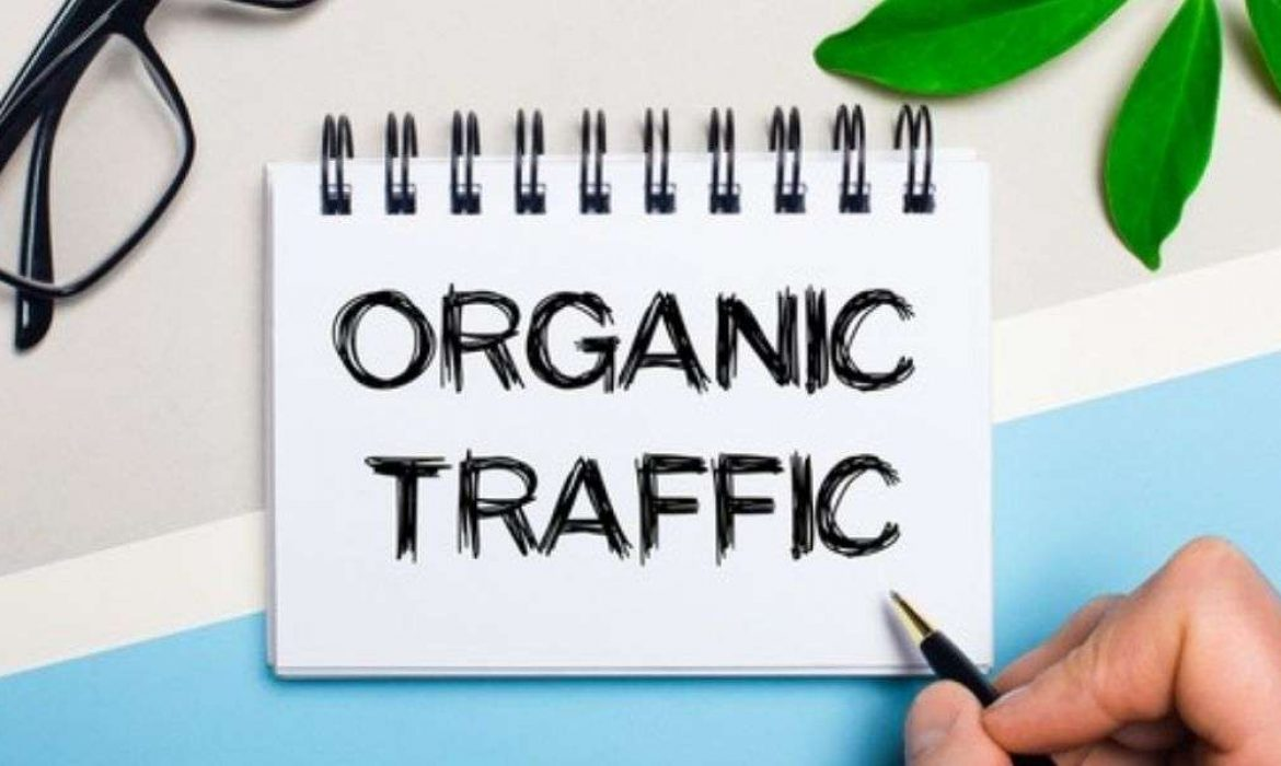 Organic Search: Definition, Comparison with Paid Search.